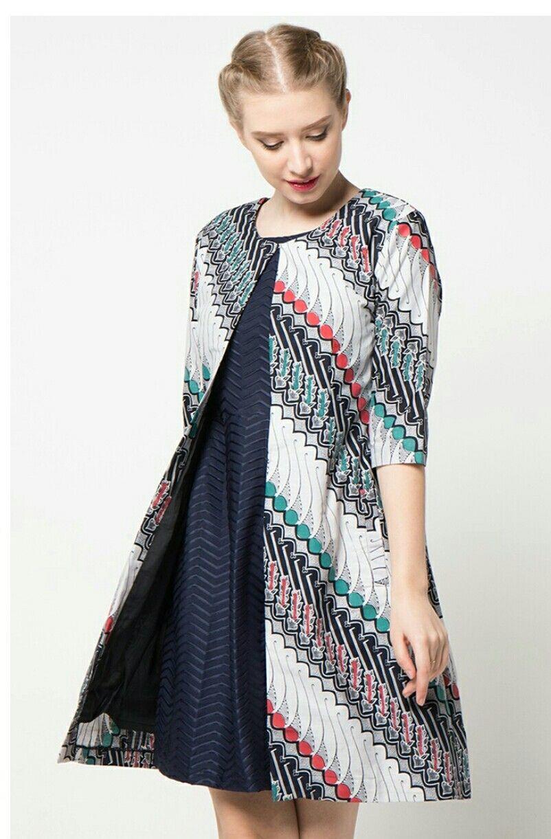 Blazer Batik Wanita Muslimah Modern