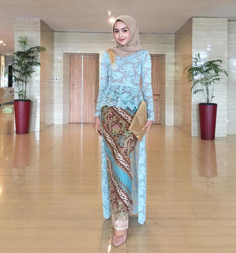 model baju batik kombinasi brokat