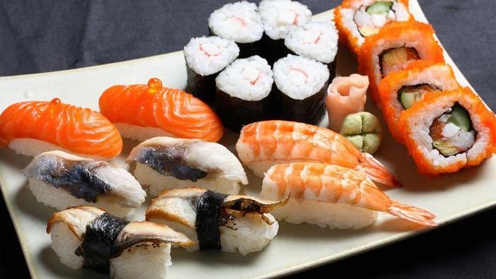 manfaat mengonsumsi sushi