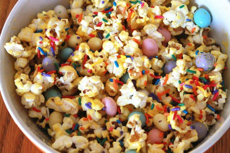 cara membuatpopcorn warna-warni